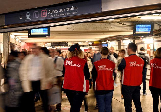 Des employés de la SNCF lors d'une grève au mois de
