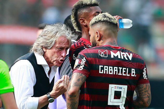 O técnico português Jorge Jesus foi fiel ao seu estilo ofensivo, mesmo com o River jogando...