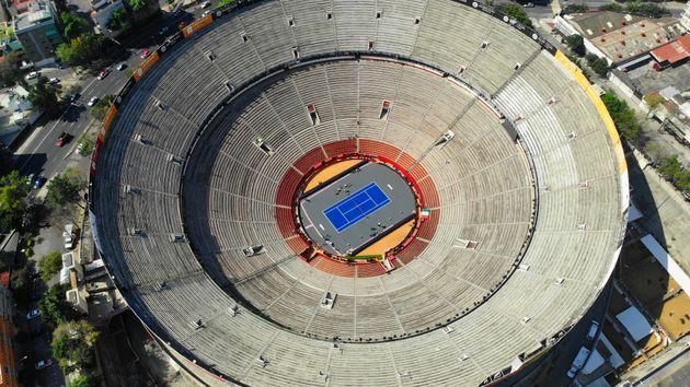 À Mexico, Federer joue dans le plus grand cours de tennis du