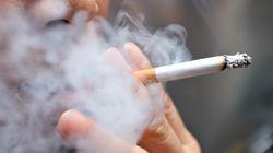 Οι Ελληνες αγκαλιάζουν την προσπάθεια να μπει τέλος στο κάπνισμα σε δημόσιους