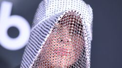 Yes, That's Billie Eilish In A Bedazzled Beekeeper Hat On The AMAs Red