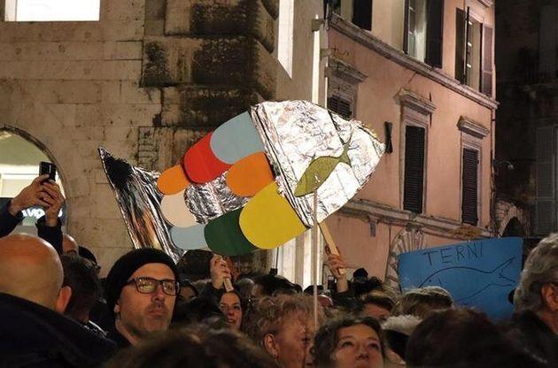 Il movimento anti-Salvini tra sardine, pescatori di elettori e marinai