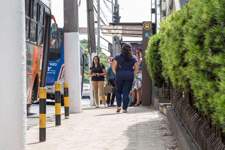 Dificuldade de mobilidade é maior para populações periféricas com a forte dependência do transporte coletivo.