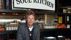 ΗΠΑ: Τα «κοινωνικά εστιατόρια» του Μπον Τζόβι στο πλευρό των οικονομικά