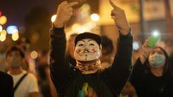 El triunfo electoral prodemócrata no apaga las protestas en Hong