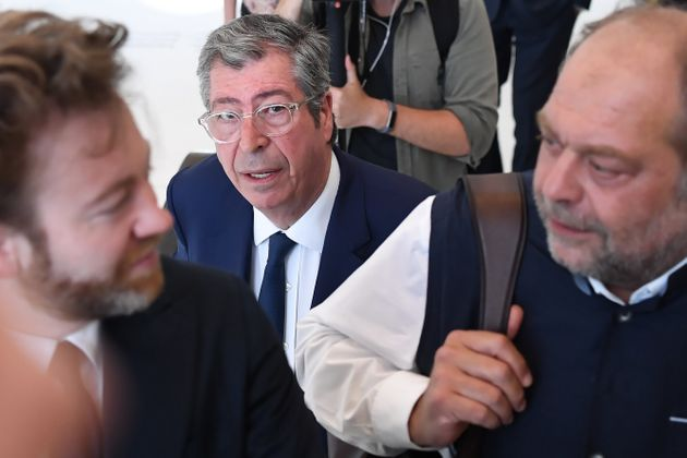 Patrick Balkany (au milieu), ses avocats Antoine Vey (à gauche) et Eric Dupond-Moretti (à...