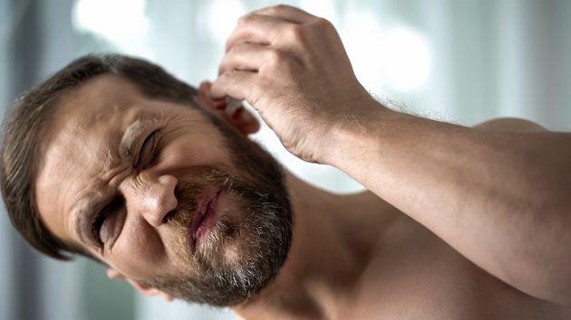 Μπήκε νερό στο αυτί σας; Μην τινάζετε το κεφάλι σας για να το