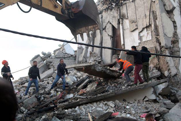 Al menos cuatro muertos y unos 260 heridos en un terremoto de magnitud 6,4 en