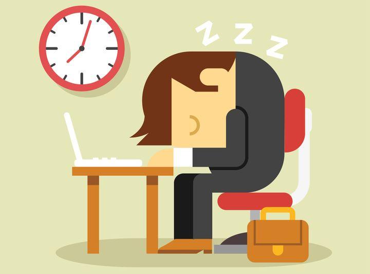 Κόπωση στη δουλειά εξαιτίας της έλλειψης ύπνου.