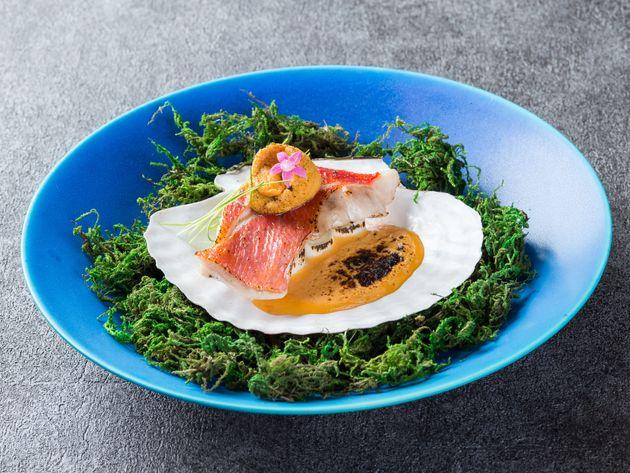 「黒潮の恵み」千葉県産金目鯛と長生ネギのヴィポーレ炙り雲丹のソース