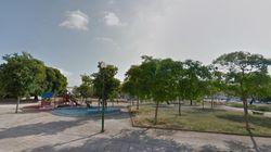 Un hombre prende fuego a una mujer en un parque infantil de
