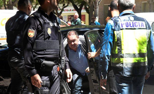 Lasaosa, tras ser detenido en