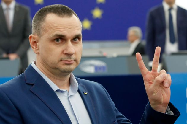 L'Ue premia Oleg Sentsov, oppositore di Putin. Leghisti assenti in
