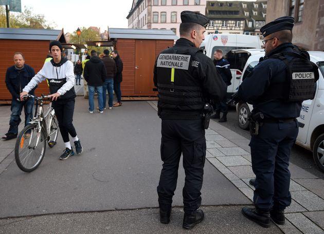 Des gendarmeries sous protection après la mort d'un jeune et des attaques au mortier d'artifice...