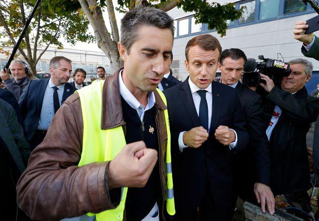 Ruffin se défend de toute collusion avec Macron après l'exhumation d'une vieille conversation...