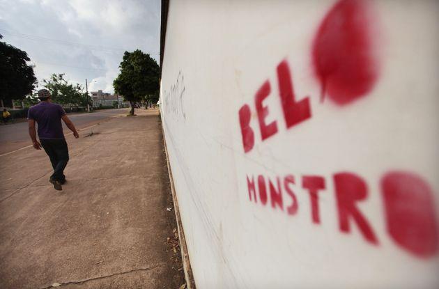 Placa em Altamira protesta contra Belo