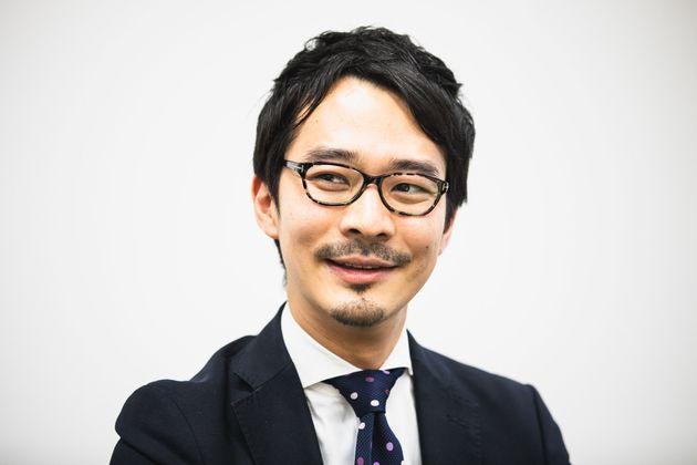 大手メディアに勤務する中崎太郎さん。3歳と1歳、2人の子どものパパでもある