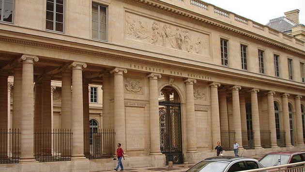 C'est dans les locaux de l'université de médecine René Descartes, à Paris, qu'un véritable charnier était
