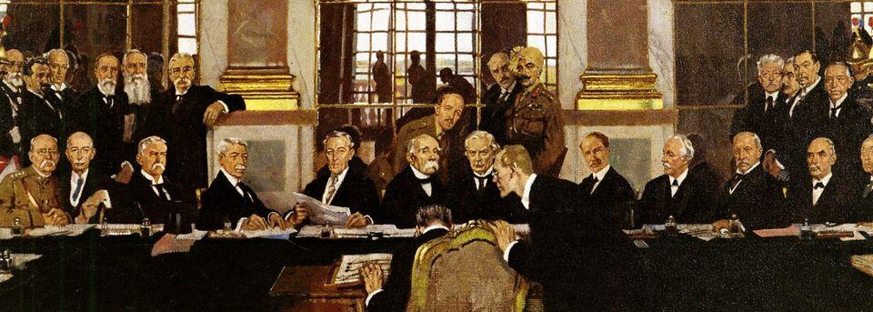 Συνθήκη των Βερσαλλιών, 28 Ιουνίου 1919.Ο ι Σύμμαχοι επέβαλαν στη Γερμανία τους επαχθείς όρους τους....