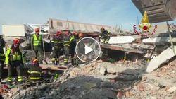 Vigili del fuoco italiani aiutano i colleghi albanesi dopo il sisma che ha devastato il paese