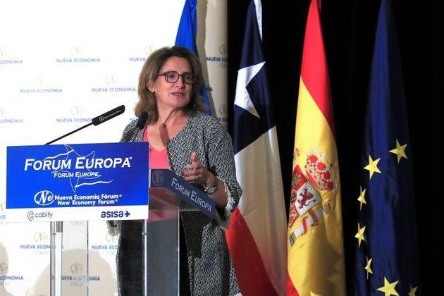 La ministra española para la Transición Ecológica en Funciones, Teresa Ribera, presentando...