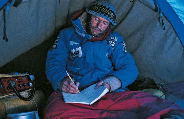 En 1986, Jean-Louis Etienne a parcouru plus de 1000 km en 63 jours en se nourrissant essentiellement de fruits secs.