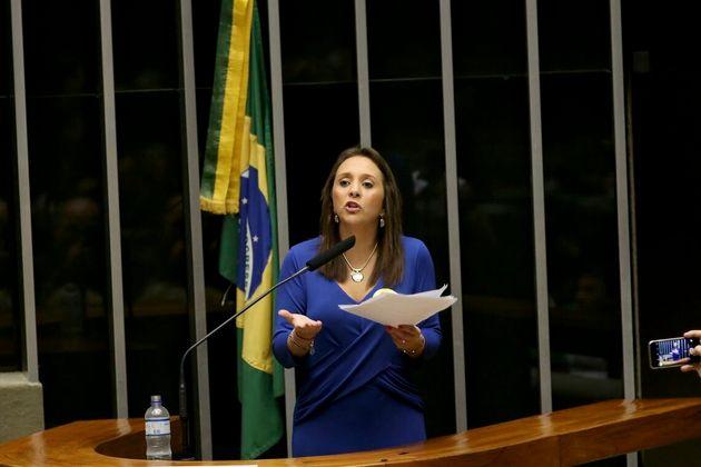 Deputada Renata Abreu, do Podemos, que apresentou o projeto de lei sobre notificação de...