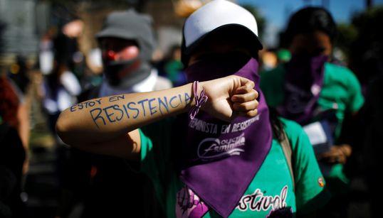 O grito das mulheres contra o feminicídio e pelo fim da violência em 21