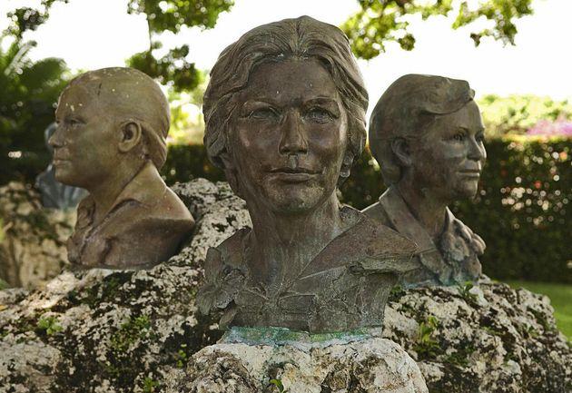 Bustos de las hermanas Mirabal, en la República