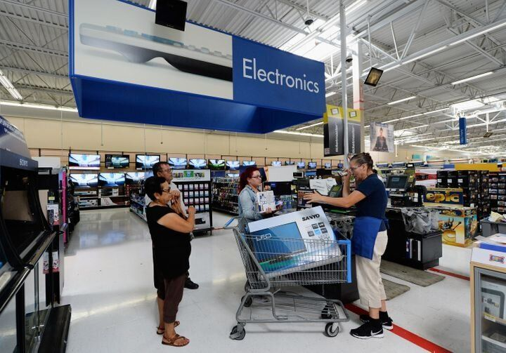 "Walmart announced that 2019&prime;s early Black Friday deals will be available online starting Wednesday, Nov. 27 at 10 p.m. Walmart stores will open at 6 p.m. on Thanksgiving Day. Just like&nbsp;<a href=""https://www.huffpost.com/entry/what-to-buy-on-black-friday-at-walmart_n_5beca454e4b03af892664a95"" target=""_blank"" rel=""noopener noreferrer"" data-ylk=""subsec:paragraph;g:d7e4615e-8a55-3473-a3b0-ace8f971c4dc;itc:0;cpos:2;pos:7;elm:context_link"" data-rapid_p=""7"" data-v9y=""1"">last year</a>, Walmart&rsquo;s offering free two-day shipping on all holiday orders.This year on Black Friday Walmart is having major markdowns on home, cookware, toys and electronics from brands like Instant Pot, Shark and Google. We&rsquo;ve seen a&nbsp;<a href=""https://fave.co/2OoJSax"" target=""_blank"" rel=""noopener noreferrer"" data-ylk=""subsec:paragraph;itc:0;cpos:2;pos:8;elm:context_link"" data-rapid_p=""8"" data-v9y=""1"">$279 Dyson V7 Motorhead Stick Vacuum</a>&nbsp;on sale for just $179 and&nbsp;<a href=""https://fave.co/358D87g"" target=""_blank"" rel=""noopener noreferrer"" data-ylk=""subsec:paragraph;itc:0;cpos:2;pos:9;elm:context_link"" data-rapid_p=""9"" data-v9y=""1"">40-inch Roku smart TV for just $98</a>."