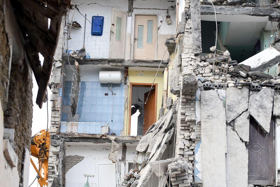 Σεισμός στην Αλβανία: 45 οι νεκροί, τουλάχιστον 900 τραυματίες - Συγκλονιστικές στιγμές στα