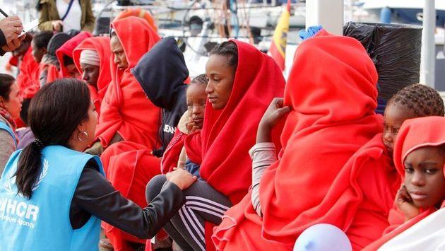 Imagen de archivo del desembarco de inmigrantes
