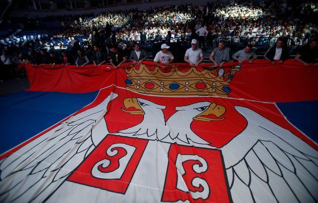 «Αιχμάλωτη» μεταξύ Δύσης και Ρωσίας η Σερβία, λίγο πριν την σύνοδο του