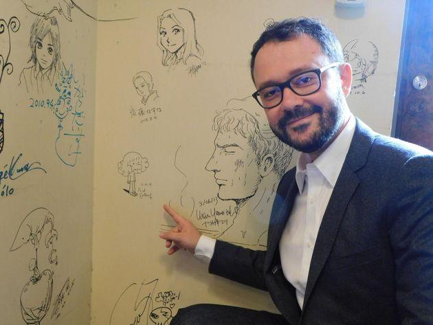 『未来のアラブ人』の作者、リアド・サトゥフさん(訪日中の10月13日、京都国際マンガミュージアムで撮影)
