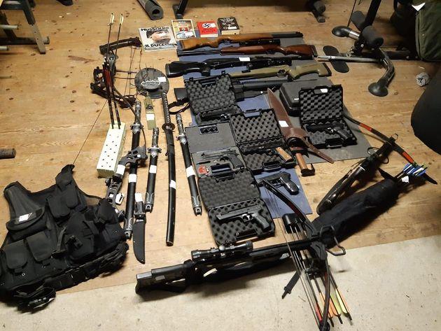 Armi in mano agli estremisti di