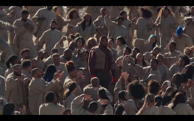 Kanye West à la fin de son clip