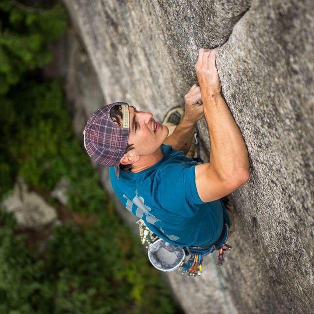 Ο ορειβάτης Μπραντ Γκομπράϊτ έπεσε από ύψος 300 μέτρων και
