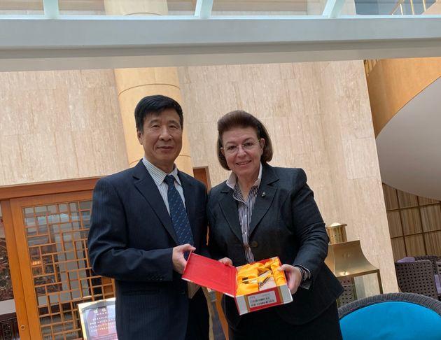 Με τον διευθυντή του Κέντρου Ελληνικών Σπουδών του Πανεπιστημίου του Πεκίνου