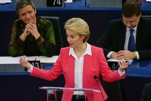 Il Parlamento Ue vota l'emergenza climatica: prende forma il Green Deal della von der