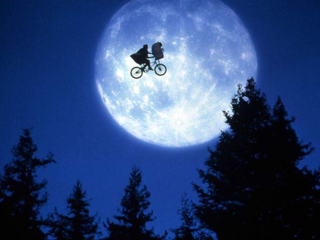Até a icônica cena deE.T. - O Extraterrestre (1982) ganhou uma nova