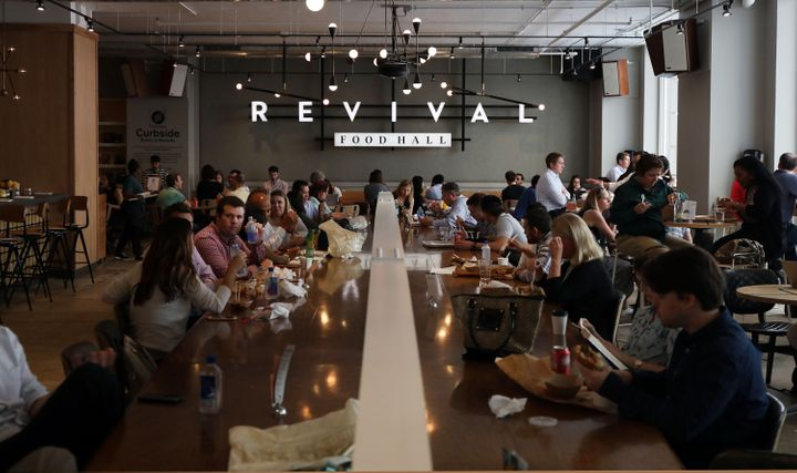 O Revival Food Hall, em Chicago.