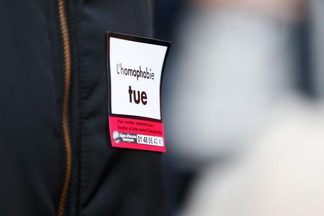 Selon le dernier rapport de SOS homophobie, internet est devenu le premier lieu de manifestation des