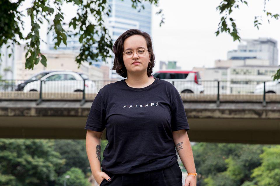 Moradora de Osasco (SP), Marcela Ribeiro, 24, trabalha em Pirituba, na zona norte de São Paulo, e enfrenta...