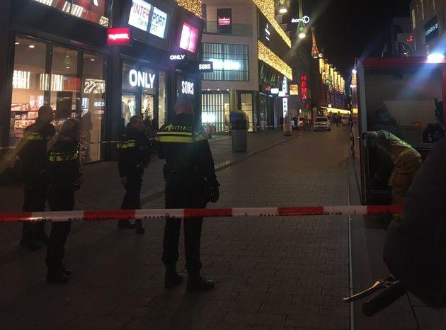 Επίθεση με μαχαίρι και στην Χάγη -Τρεις τραυματίες, ανθρωποκυνηγητό για τον
