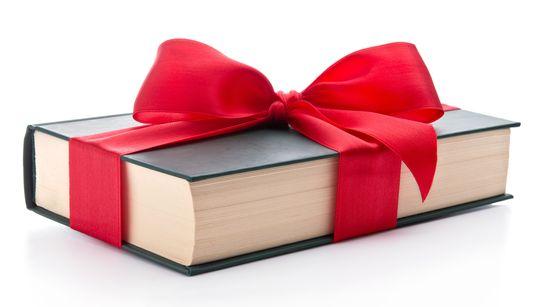 15 dicas de livros e quadrinhos até R$ 60 para você não fazer feio no amigo