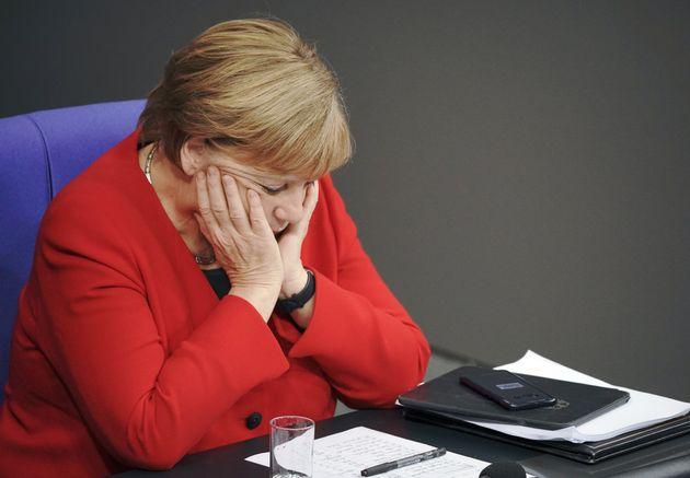 En Allemagne, ce coup de tonnerre affaiblit la coalition historique de Merkel (photographiée ici...