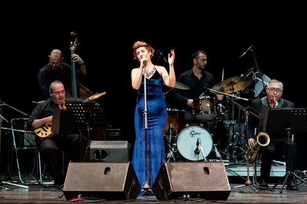 Χριστουγεννιάτικη συναυλία της Big Band δήμου Αθηναίων με την Πέννυ Μπαλτατζή