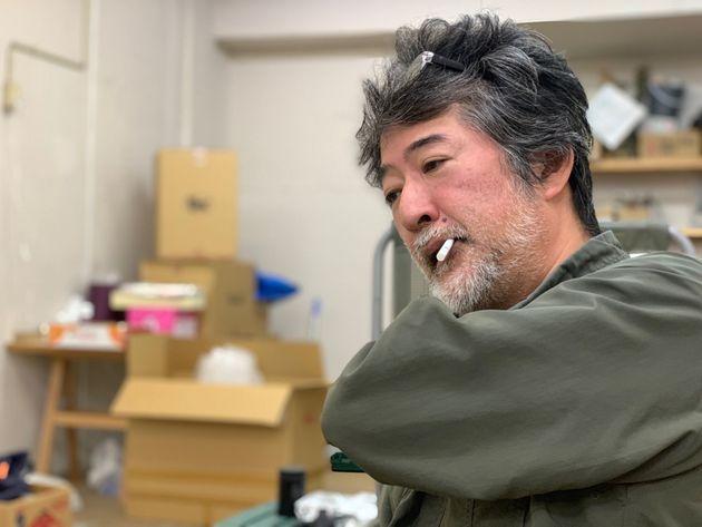 インタビューに応じた会田誠さん