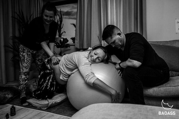 Corneli [Badass Birth Photography]