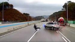 Κορεάτης χορεύει με τον θάνατο σε καραμπόλα που προκλήθηκε από μαύρο